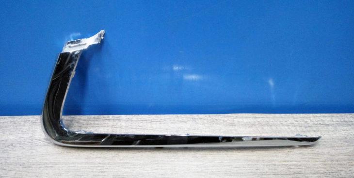 Хромированные накладки на передний бампер Лада Весты